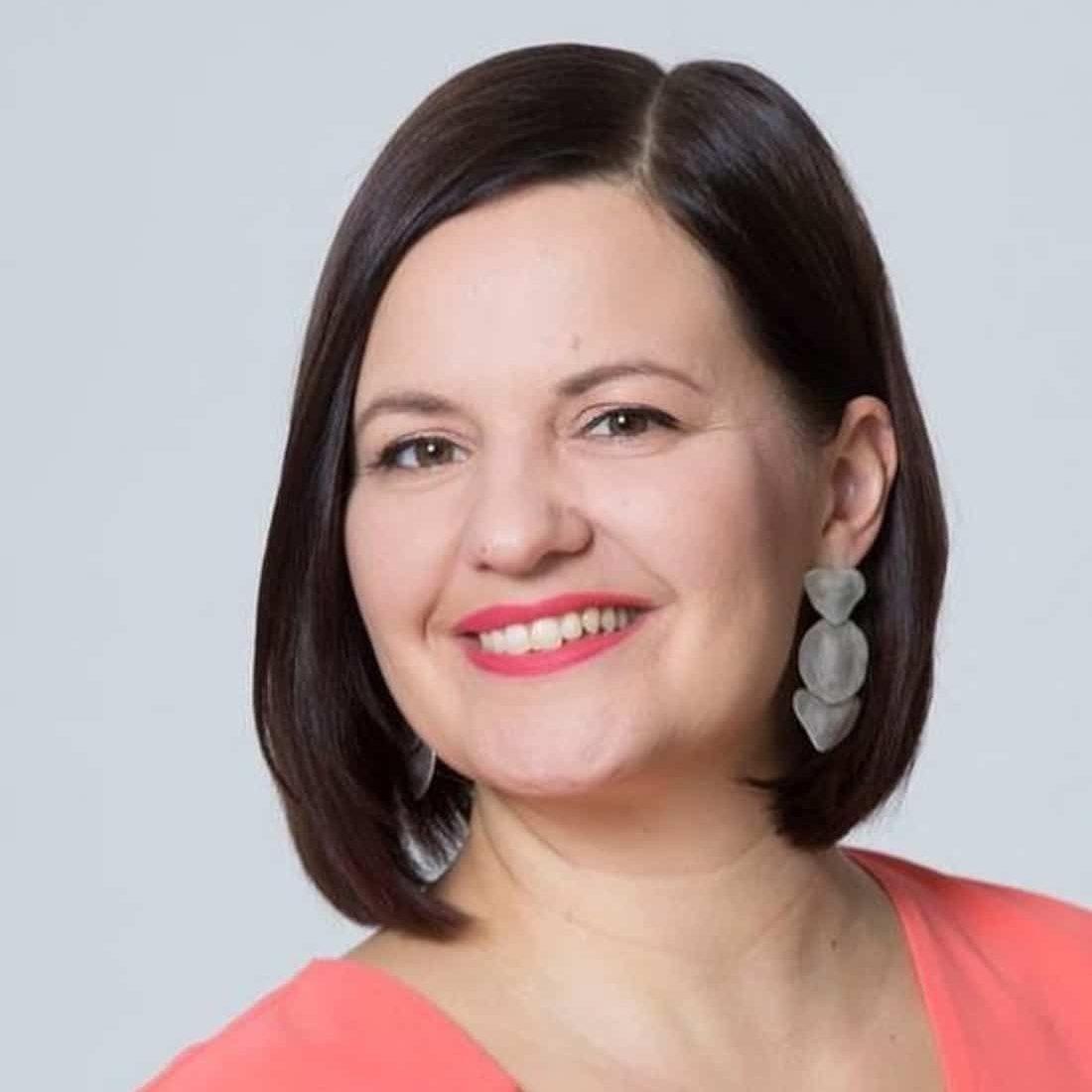 Turun kaupunginvaltuuston puheenjohtaja Elina Rantanen (vihr.). Kuva: Elina Rantanen/Instagram