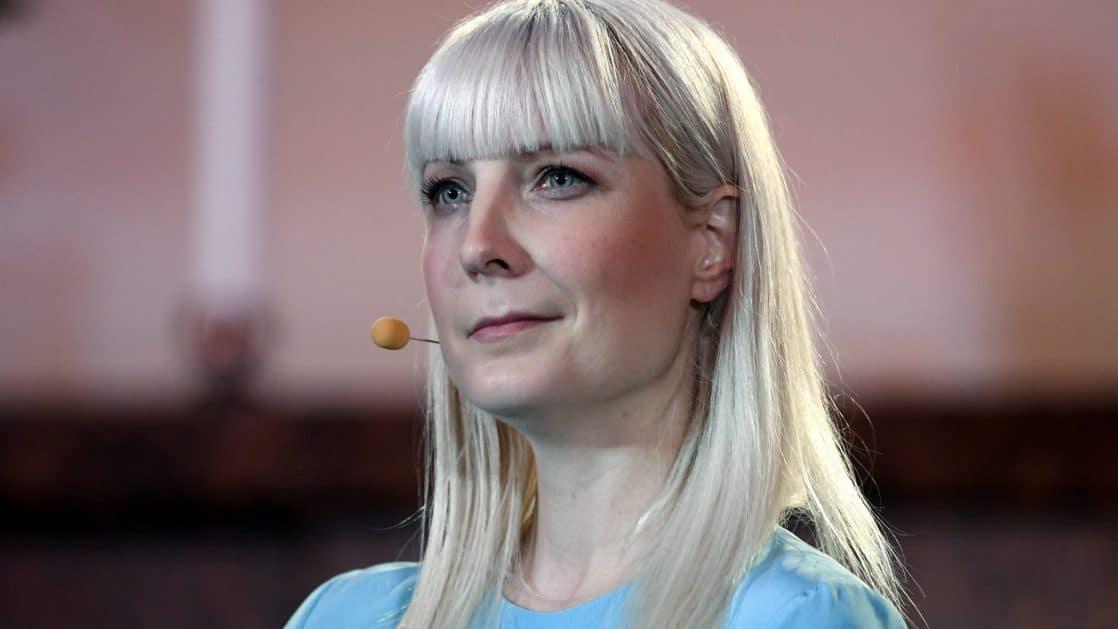 Laura Huhtasaari Juliste